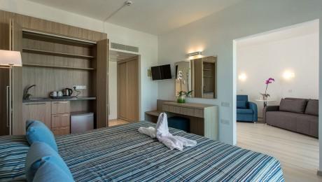 Φθινόπωρο 2021: Kapetanios Bay Hotel (για 1 ή περισσότερα βράδια)